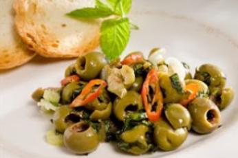 Gr-ne-Oliven-auf-Sizilianische-ar