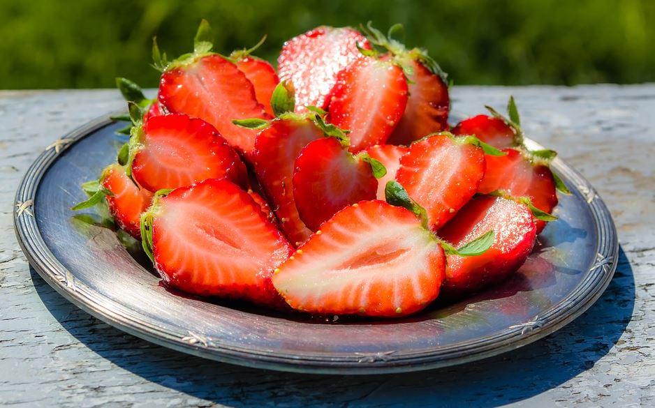 Erdbeeren-geschnitten