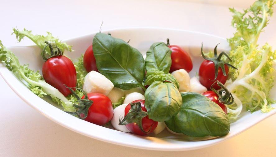 salat-mit-mozzarella