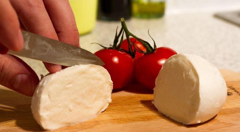 mozze-tomaten