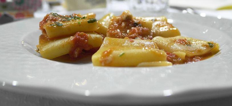 paccheri-mit-sauce