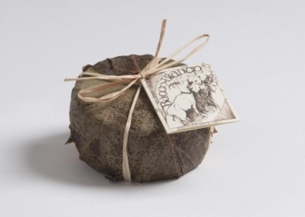 Degust Bacco Bianco - Schnittkäse aus Ziegenrohmilch mit Weinblätltern veredelt, ca. 300g