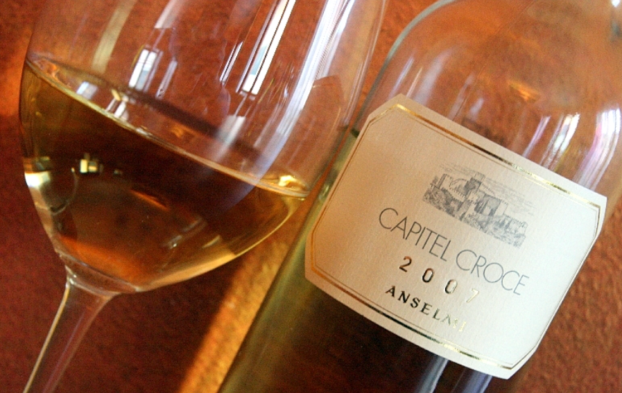 Glas-Wein-Soave-Capitel-Croce