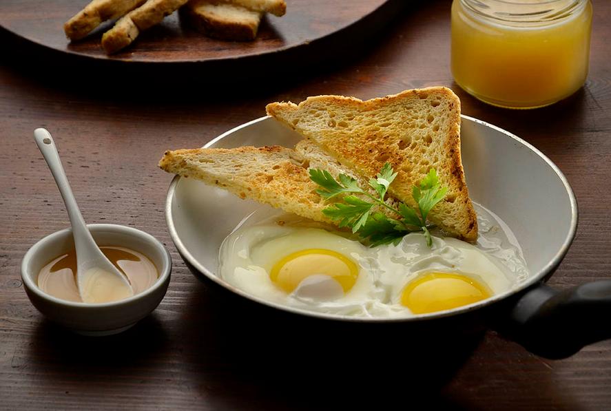 Sonnenblumenhonig-mit-eiern
