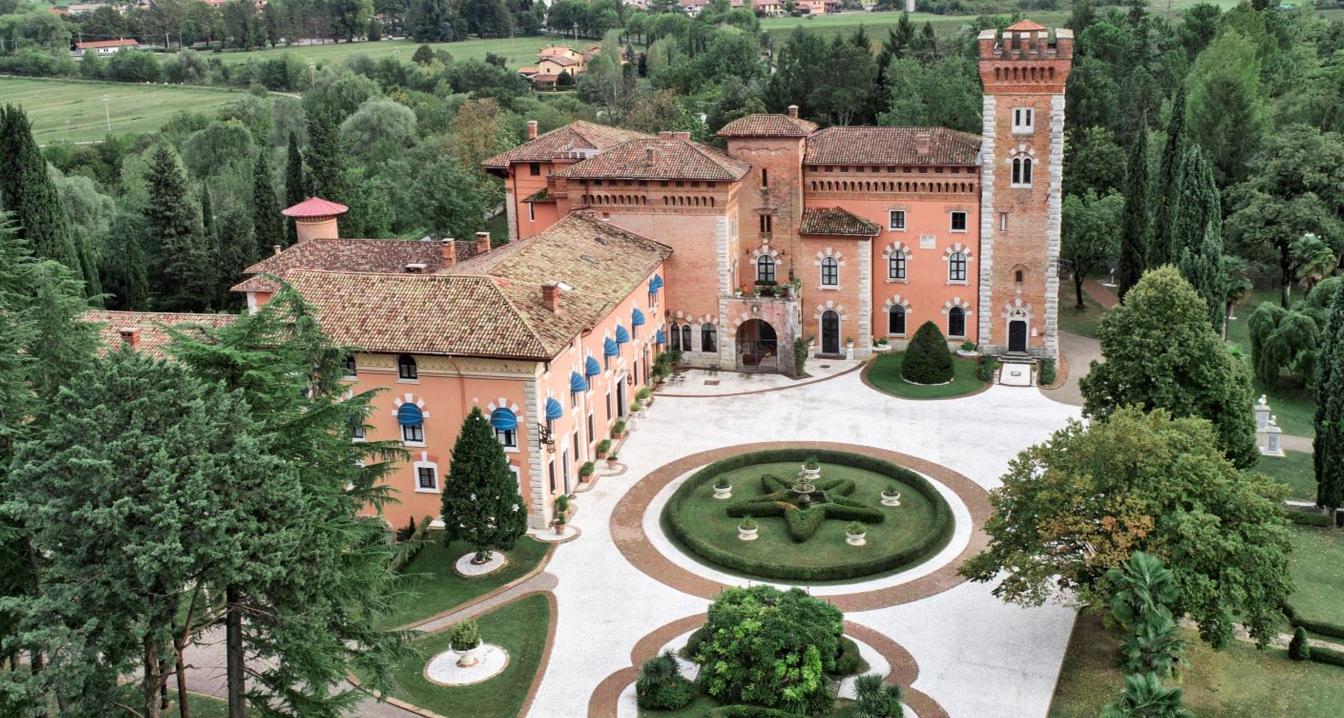 Castello-di-SpessaU8jFzmiFyhqMw
