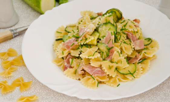 Felicetti-Fiocchi-mit-Zucchini-und-Speck